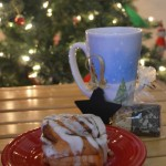 Last Minute Gifts with Starbucks Holiday Blend & The Bakery at Walmart Cinnamon Rolls