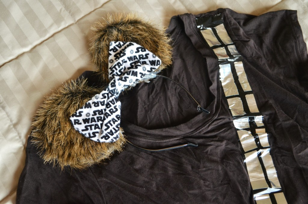 Star Wars Run Disney Costumes- Directions for an easy Chewbacca shirt and Mickey Ears. Links included for the rest of the rebels, droids, and Imperial forces.   #StarWars #Disney #RunDisney