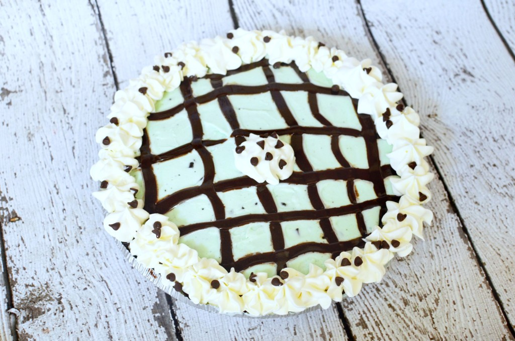 Mint Chocolate Chip Ice Cream Pie #recipe | #IceCreamHero [ad]