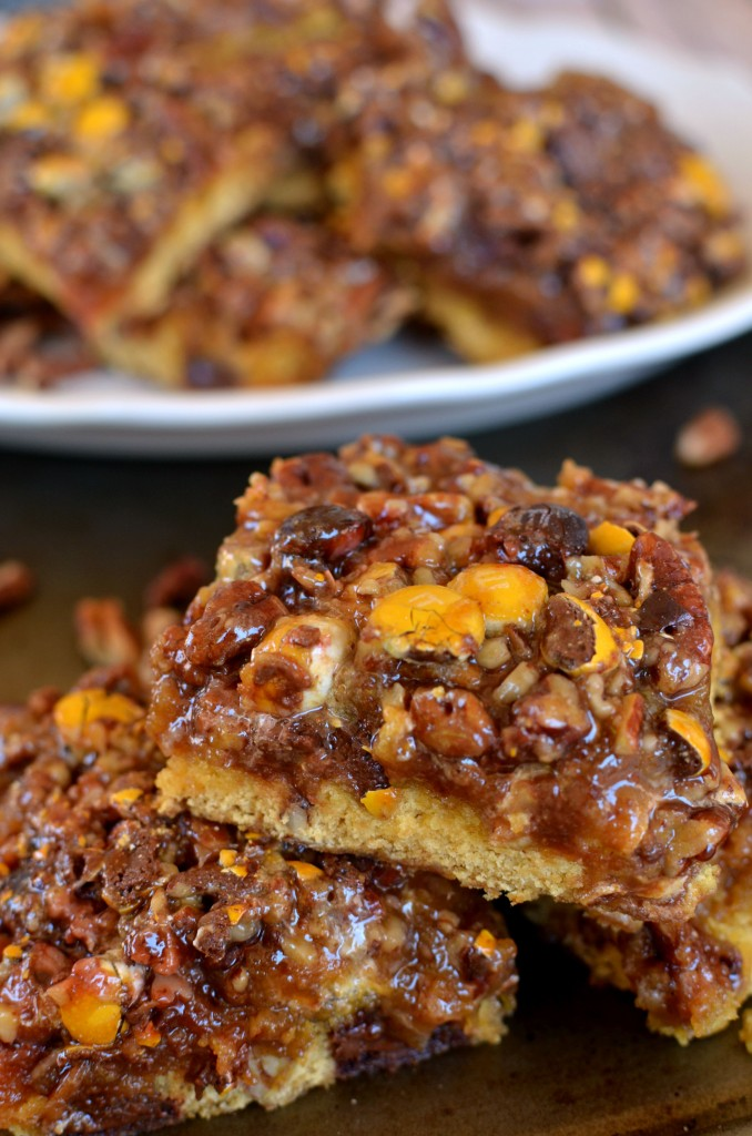 Pecan Pie Bars with Caramel Apple Drizzle- A delicious cookie/cake hybrid crust with an easy pecan pie filling and drizzle of homemade apple juice caramel. #BakeInTheFun [ad]