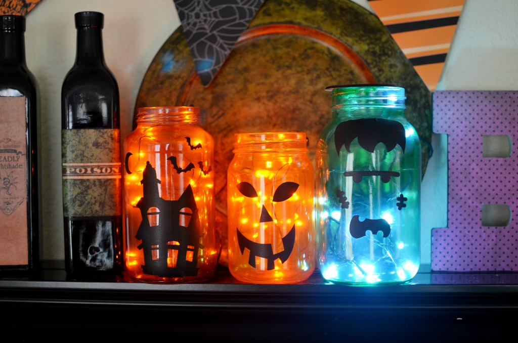 Halloween Mason Jar Lanterns + Learn how to tint mason jars with supplies you have on hand. #Hallowen #craft