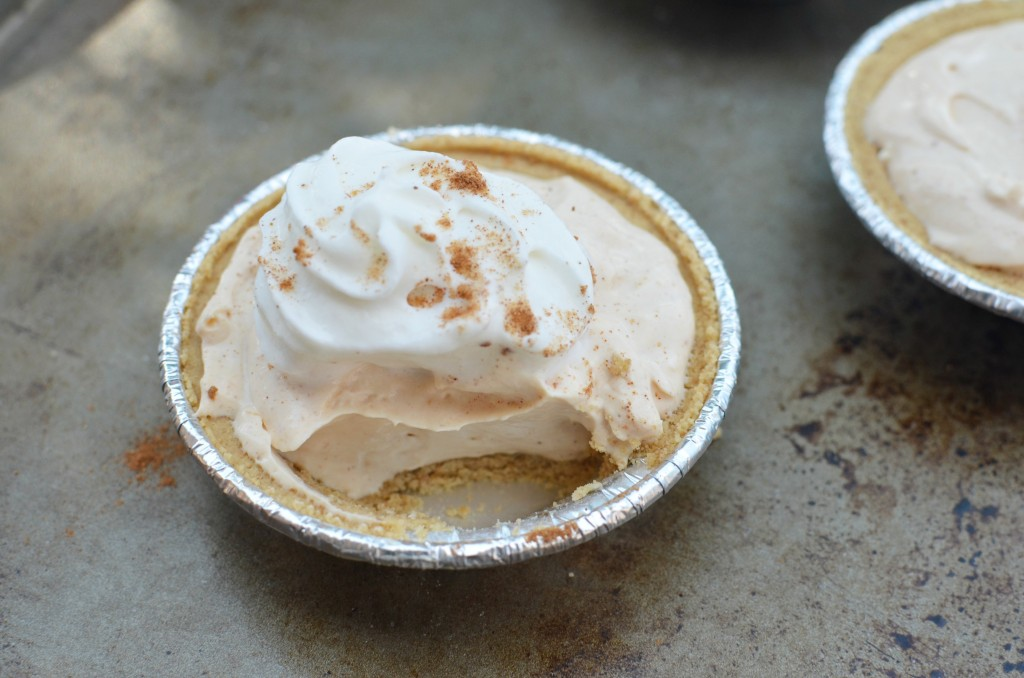 Mini no-bake Pumpkin Pie Cheesecakes | Easy as 1-2-3