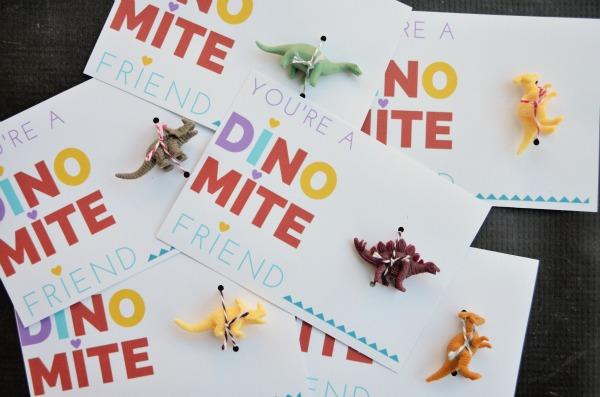 FREE printable dino-mite Valentine card.