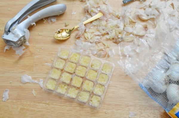 crushed-garlic