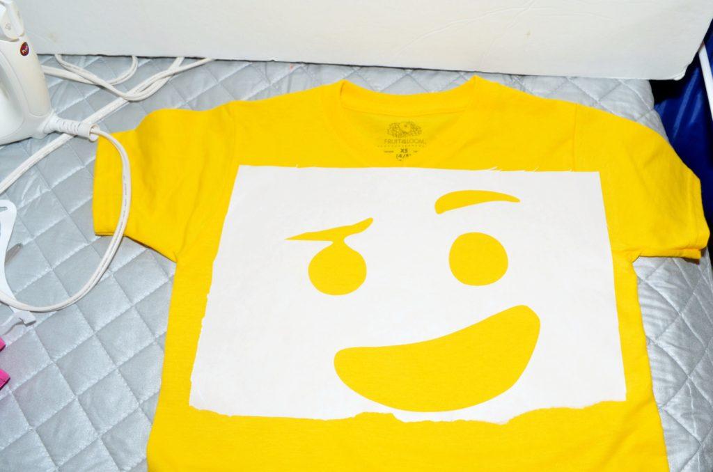 DIY LEGO Emmet Shirt | #craft #DIY #LEGO