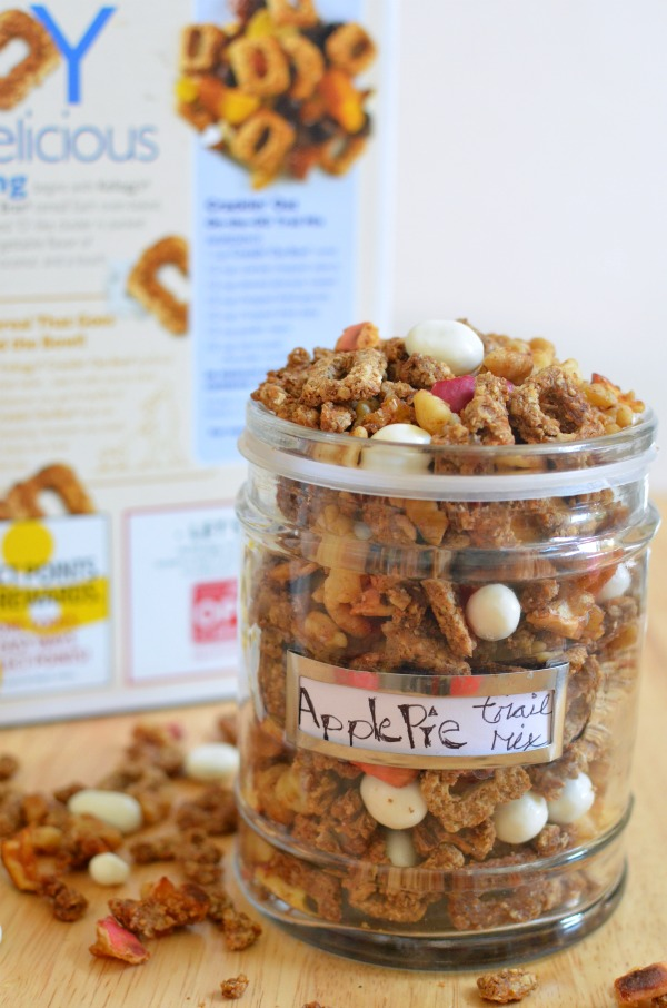 Apple Pie Trail Mix- Take snack time up a notch. #ReimagineCereal AD