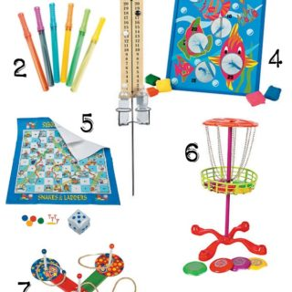 10 Backyard Lawn Games | Budget friendly lawn games for backyard fun. #OrientalTrading