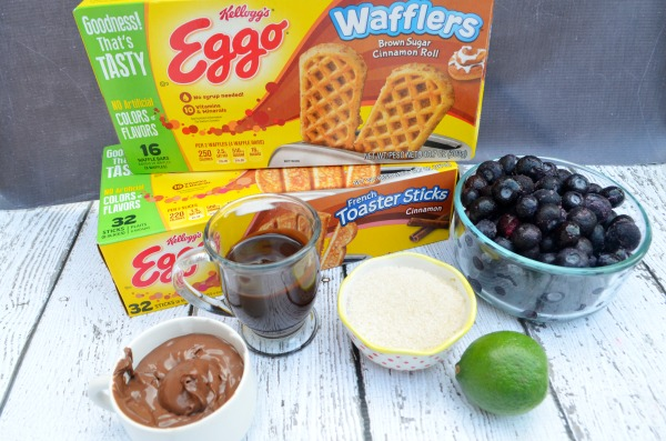 Breakfast Dipping Sauces, yum! Perfect for enjoying #EggoMyWay. #ad