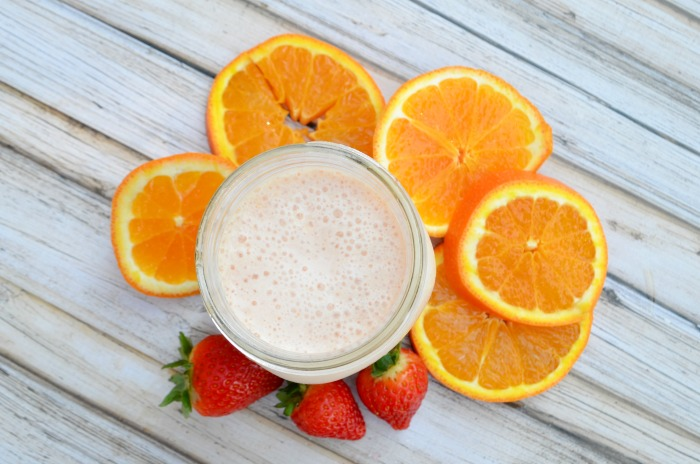 Start the day of right with an Orange Creamsicle Protein Smoothie #ad