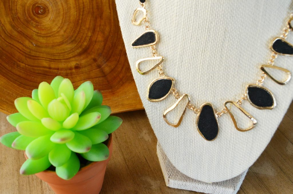 organic glitz necklace