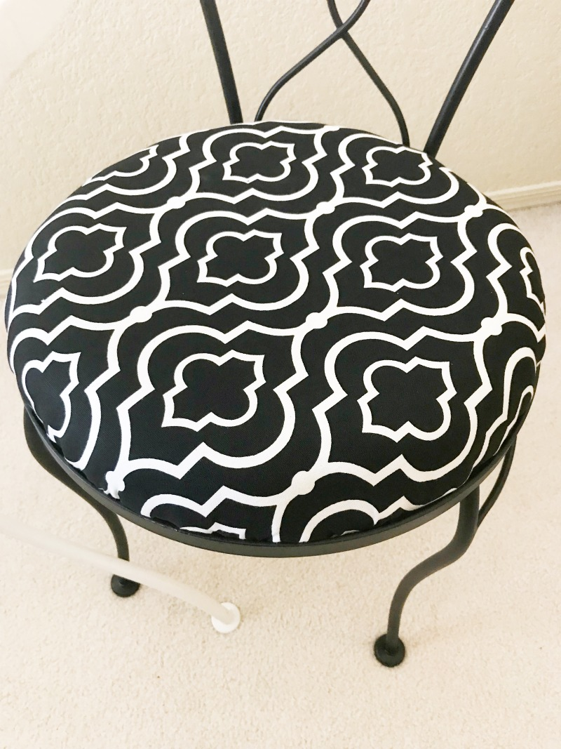 re-upholster seat cushion